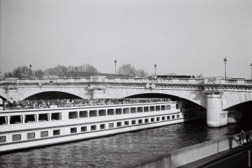 Quand Renoir est sur la Seine - Part II - Minolta SRT 100b Rokkor 50mm.